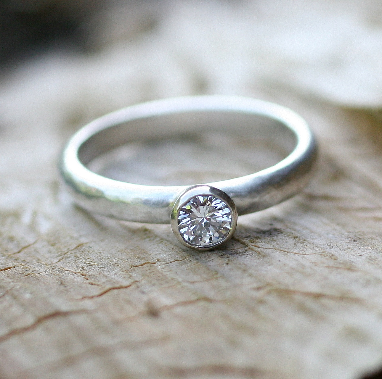 Silver band & 9ct white gold setting