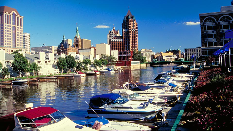 Milwaukee, Wisconsin - host to the fencing October NAC 2018