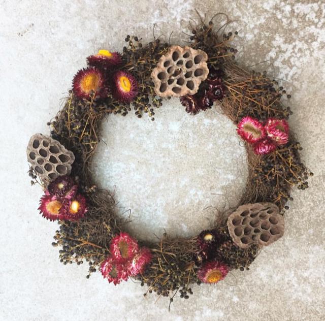 Grapevine, Dried Strawflowers, Dried Lotus Pods, Privet Berry