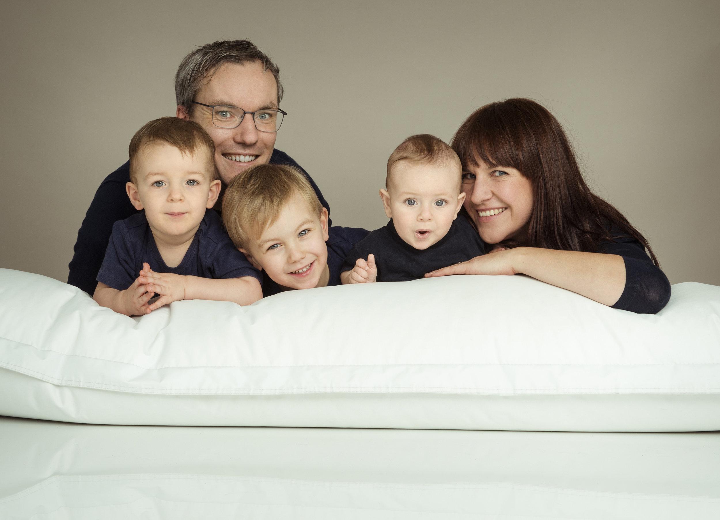 familienfoto-mit-den-drei-kindern.jpg