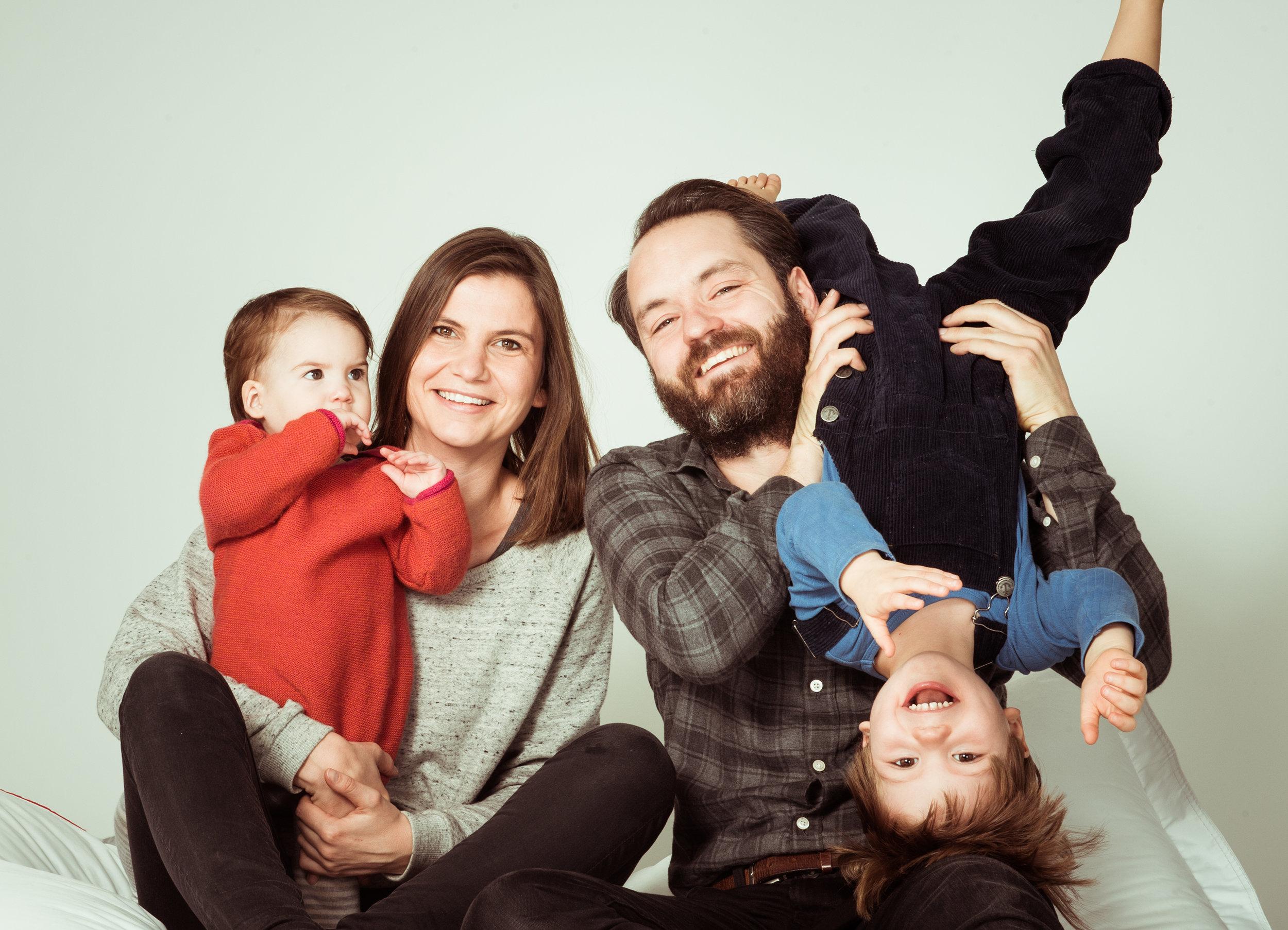 spontan-lebendiges-familienfoto.jpg