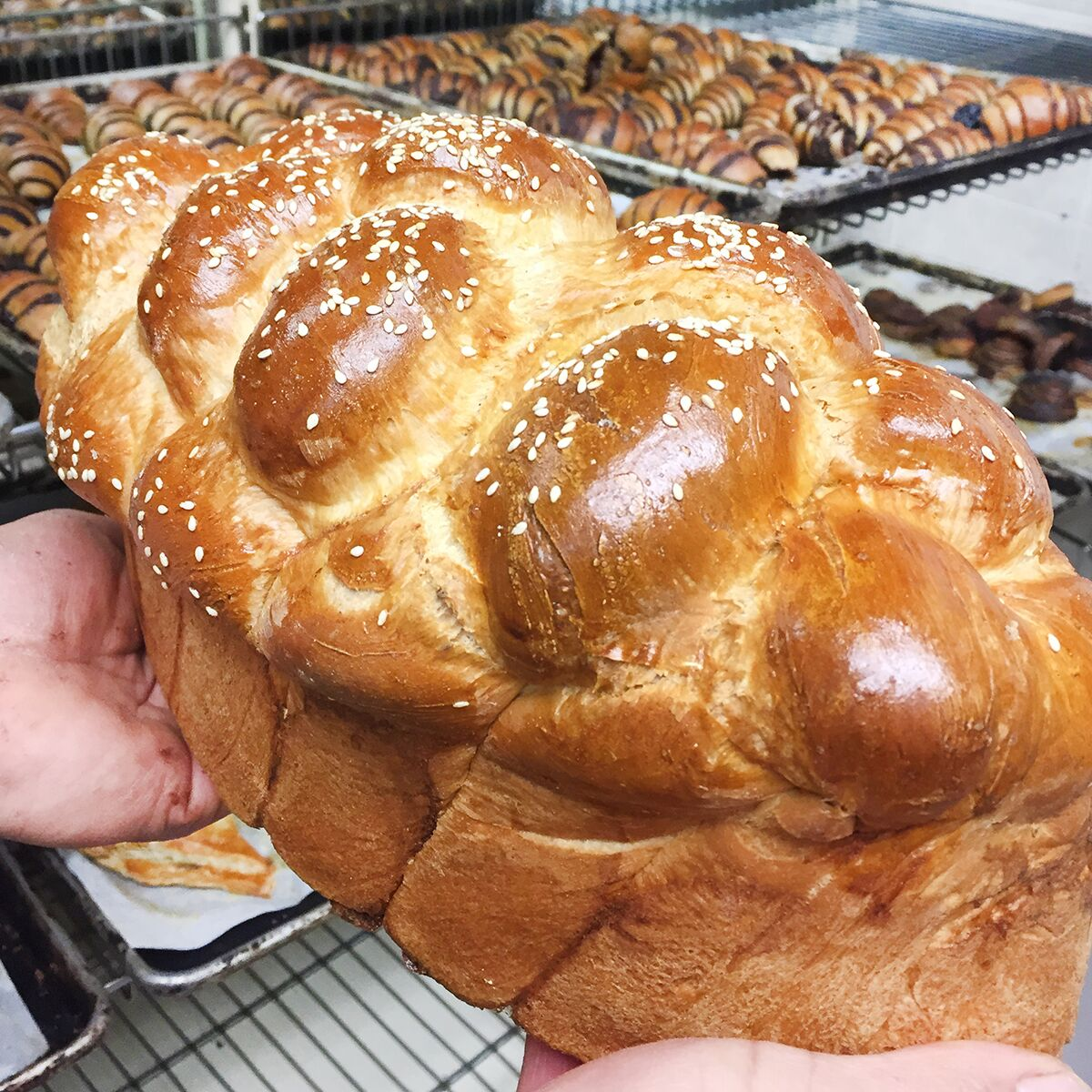Oneg-Party-Size-Challah-Product-1_preview.jpg