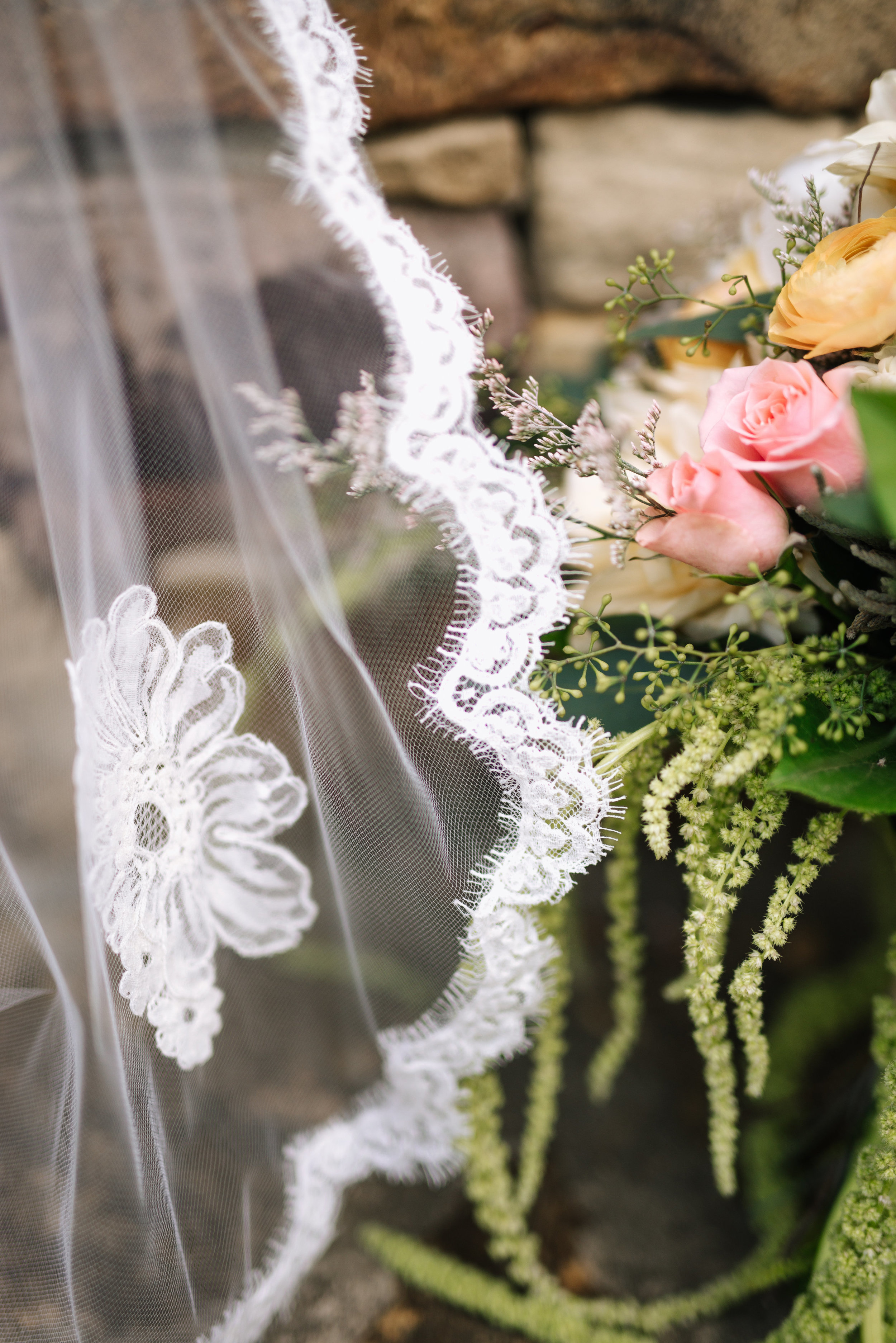 mcclure-boerne-wedding-upclose-veil-bouquet-sojourn-art-and-ink.jpg