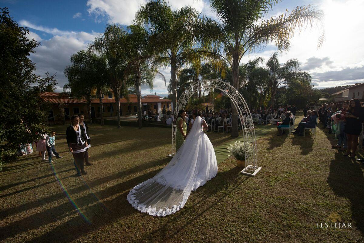 pousada-eventos-casamento_entrada_da_noiva.jpeg