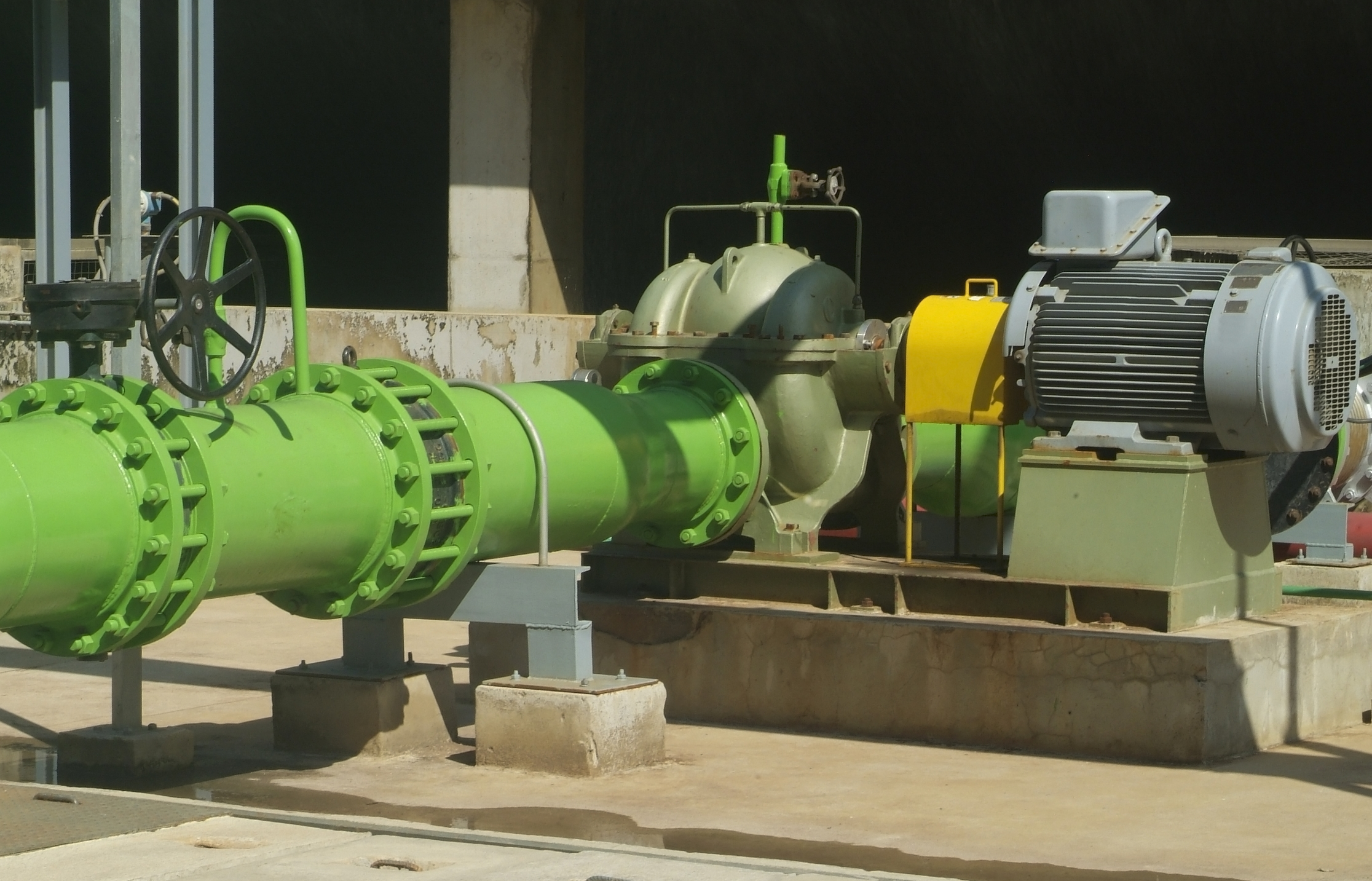 pump and pipes 2.jpg