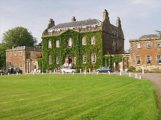 culloden house - This historic Inverness luxury hotel stands in nearly 40 acres where you are free to wander about the woodland and private gardens to enjoy the exceptional peace, tranquility and majesty of the grounds.RATINGS: 4.5/5 TRIPADVISOR | 4 STAR LUXURYKING with Breakfast: $388 per night + tax