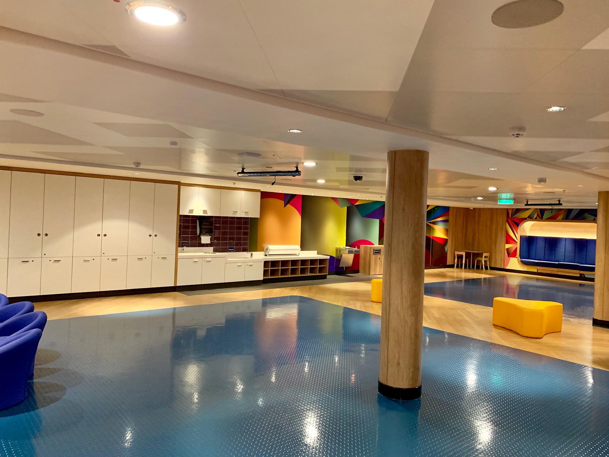 NCL Joy - Amenities - Splash Club large room view 2.jpg