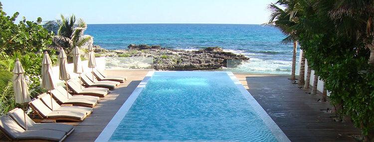 Secreto pool.jpg