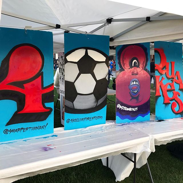 Today @mrseanboyles and @sharperthanany painted some pieces for 408 Day @sjearthquakes  stadium! We live printed some prints and some kids even helped out! #sanjose #earthquakes #408