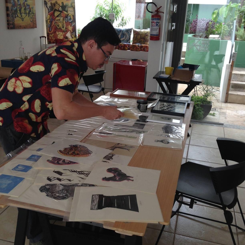 Heraldo Cândido montando seu stand na edição #3 - Jundiaí