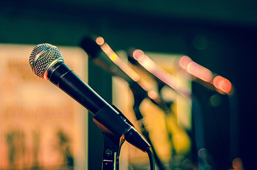 """Photo by <a target=""""_blank"""" href=""""https://pixabay.com/en/mic-microphone-sound-check-sing-1132528/"""">Skitterphoto</a> on Pixabay"""