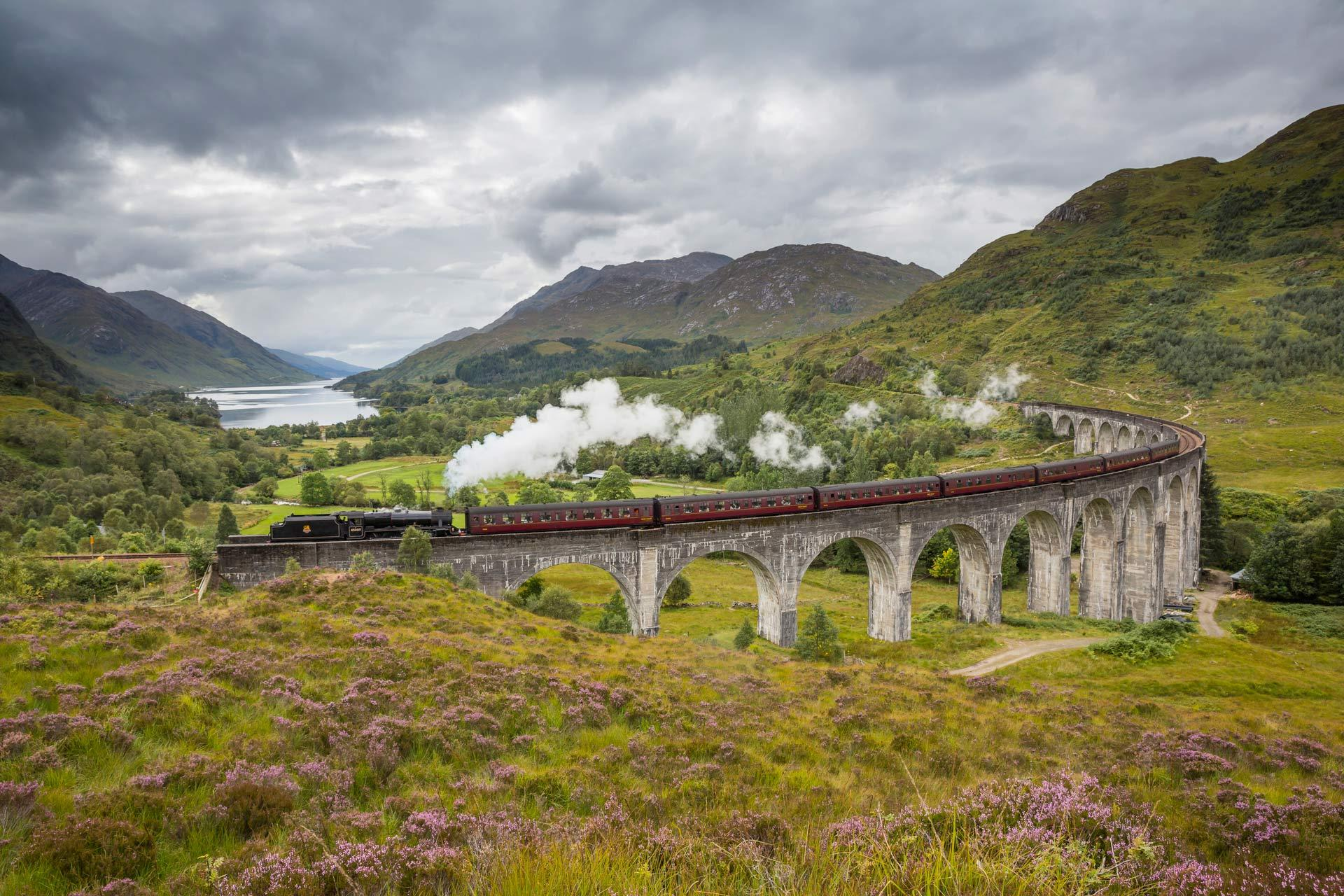glenfinnan-viaduct-train.jpg
