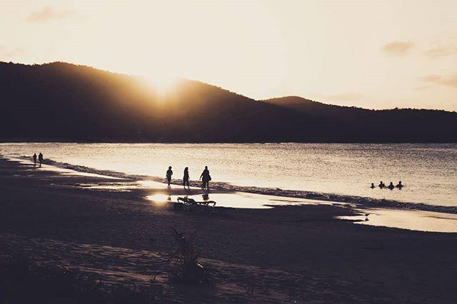 Winding down 🌅 . . . . . #culebra #puertorico #flamecobeach #playaflamenco #playita #sunlife #saltlife #sunbathing #snorkling #fishing #boating #sunshine #discoverpuertorico #visitpuertorico #fabieloz @fabieloz #reef #wildlife #beachphotography #vacationmode