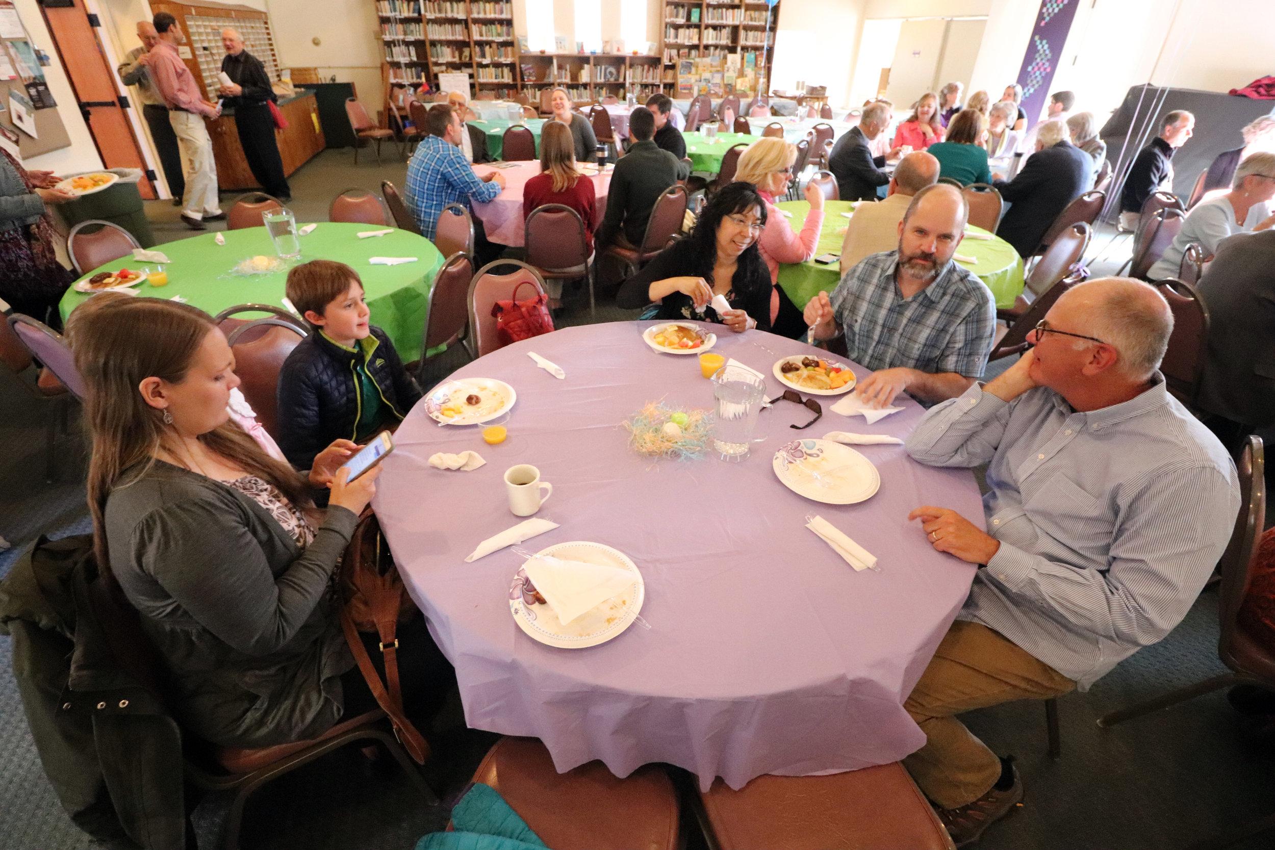 180401 FMC Easter meal 06.jpg