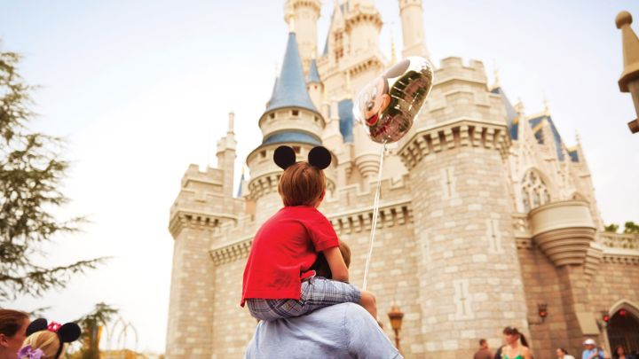 - Four Seasons now offers the EXTRA MAGIC HOURSbenefit at Walt Disney World Theme Parks.The Extra Magic Hoursbenefit entitles Four Seasons guests to experience select attractions, as one of the four Walt Disney World Theme Parks opens early or extends later.