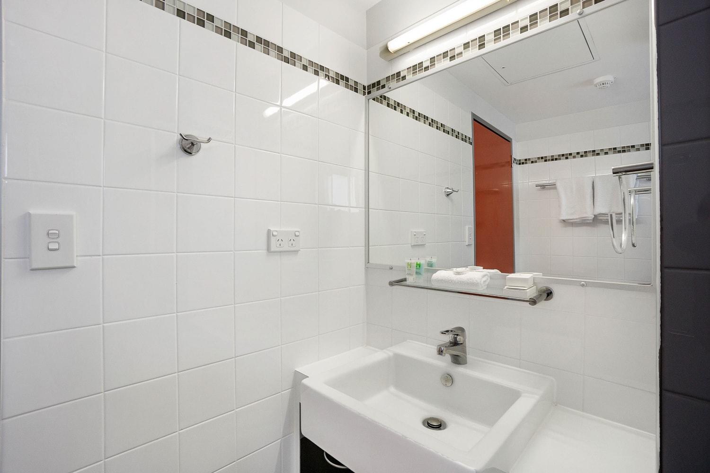 toowong-inn-suites-hotel-motel-apartments-accommodation-brisbane.4.jpg