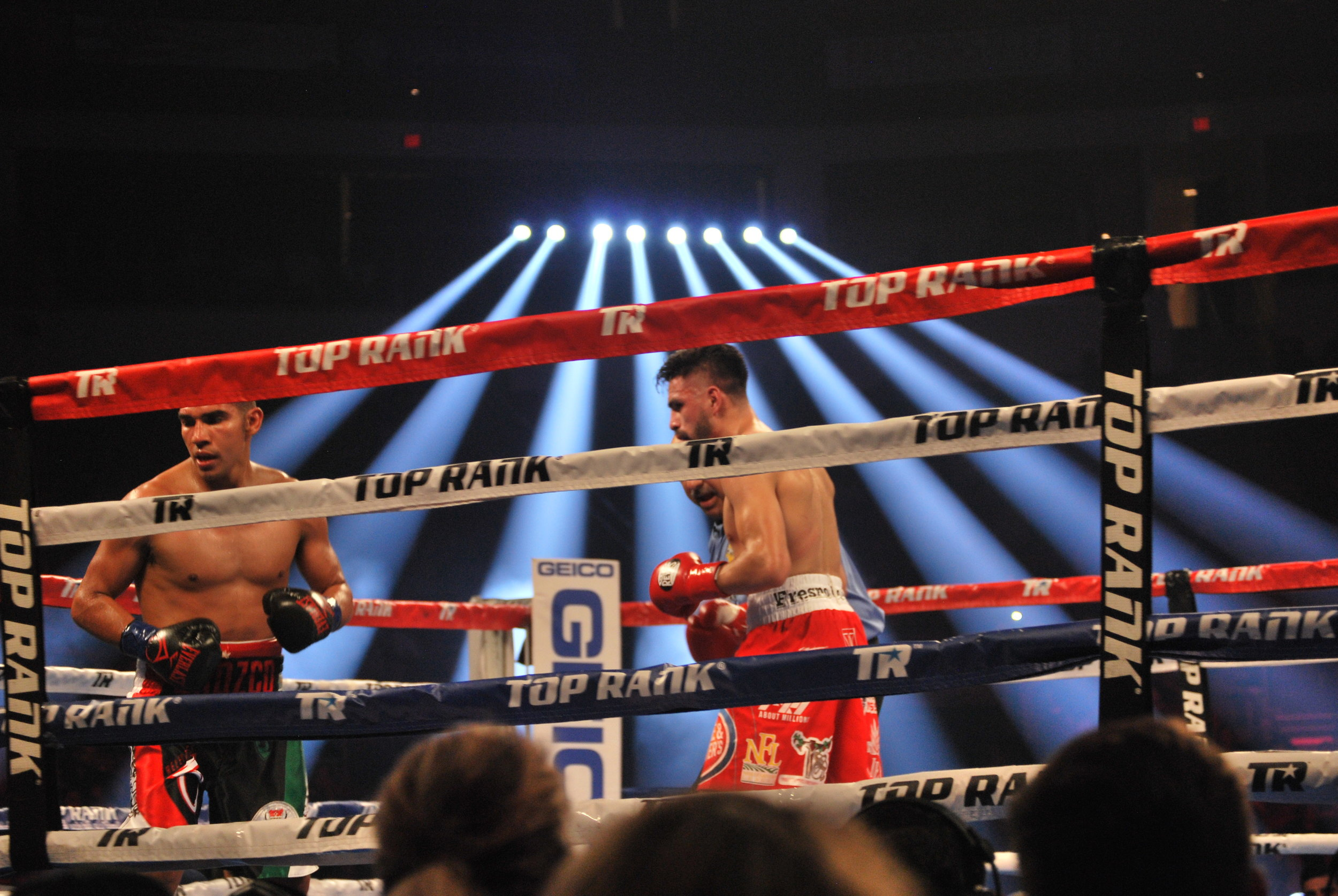 Jose Ramirez (red) vs. Antonio Orozco (black) for WBC Super Lightweight World Title