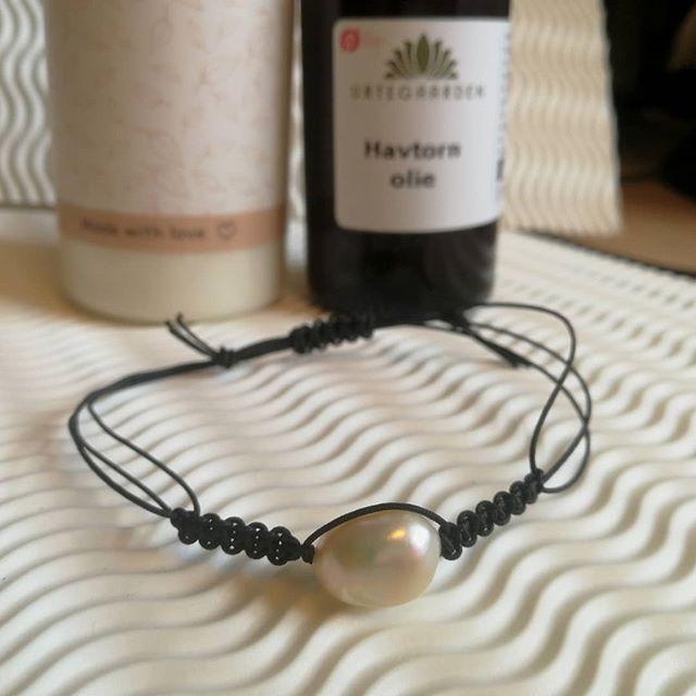 Armbånd fra Copenhagen Street couture #jewelrydesign #jewelry #jewelrydesigner #designer #pearls #smykker #perler