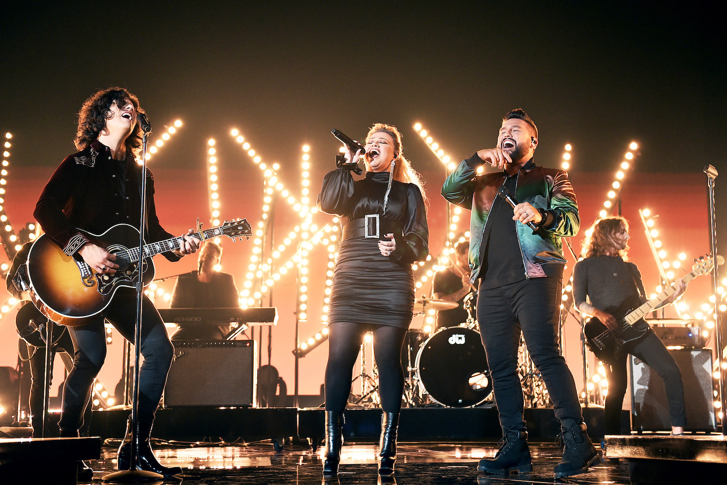 DAN + SHAY &  KELLY CLARKSON - ACM AWARDS