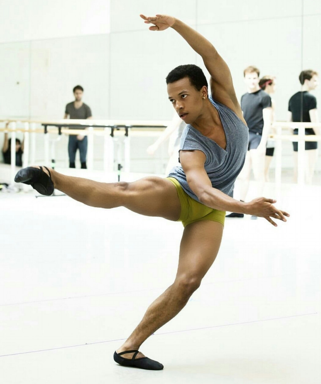 Solomon Golding in rehearsal with The Royal Ballet.