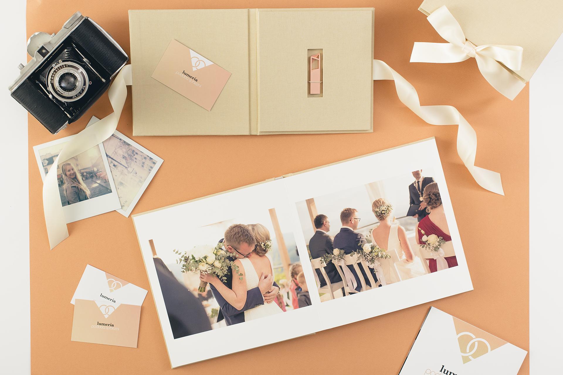 foto knjiga album fotograf poroka lumeria poročna fotografija