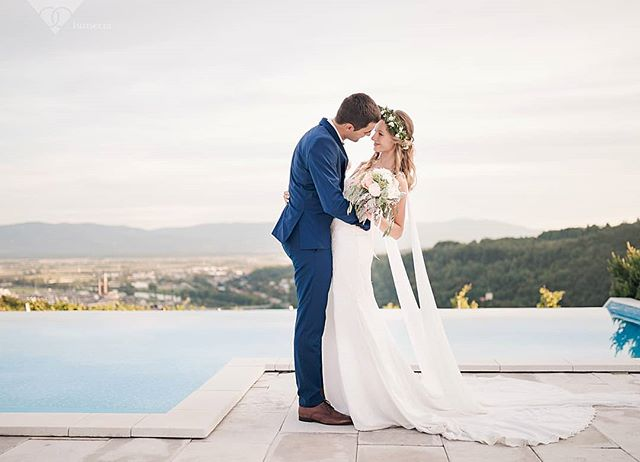 You and me, it's a forever kind of thing 💙 . . . 📷 @lumeria.weddings 💐 @cvetlicarna.irena 👰 @sanjskaobleka 🏩 @trilucke . . . #poroka #trilucke #wedding #weddinginslovenia #poročnifotograf #weddingphotographer #justmarried #perfectwedding