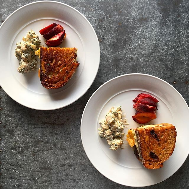 Simple summer supper. Camembert & cheddar toastie with black garlic ketchup, potato salad and fridge cold fresh peaches. Hangover be gone. • • • #grilledcheese #toastie #cheesetoastie #food #cooking #supper #summerfood #veggie #veggiefood #vegetarian
