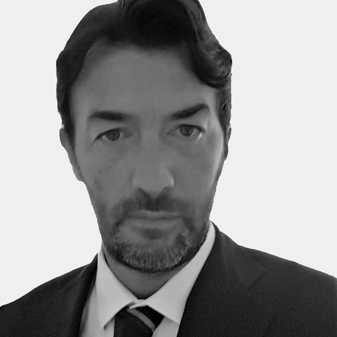 Marco Sapienza  Leasing Manager Italy M +39 334 334 633 46 86  marco.sapienza@ros-management.com