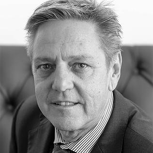 Claudio Poltera  Operations Director & Head of Leasing Spain M +41 78 672 08 40  c.poltera@ros-management.com