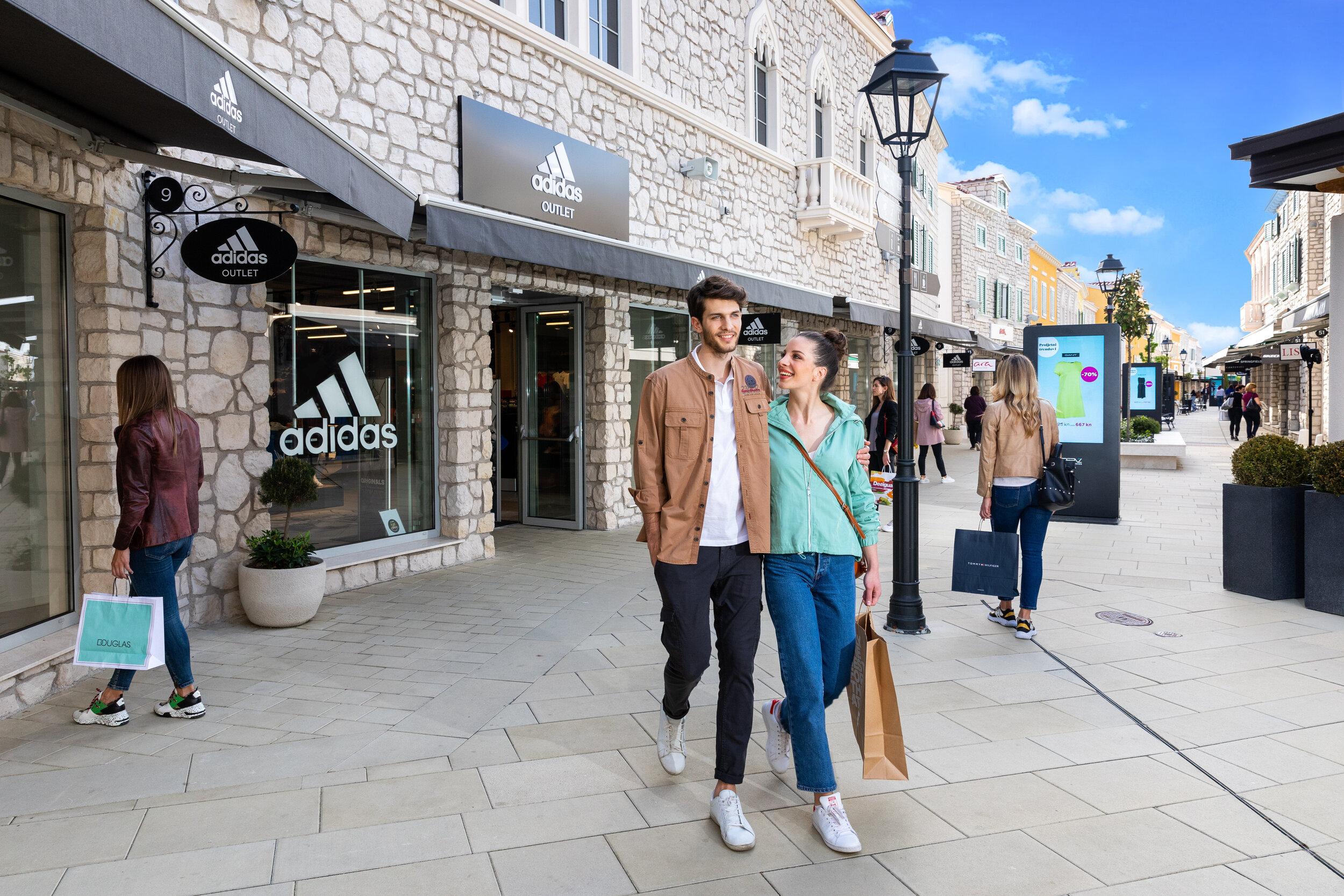 Designer Outlet Croatia — ROS Retail Outlet Shopping