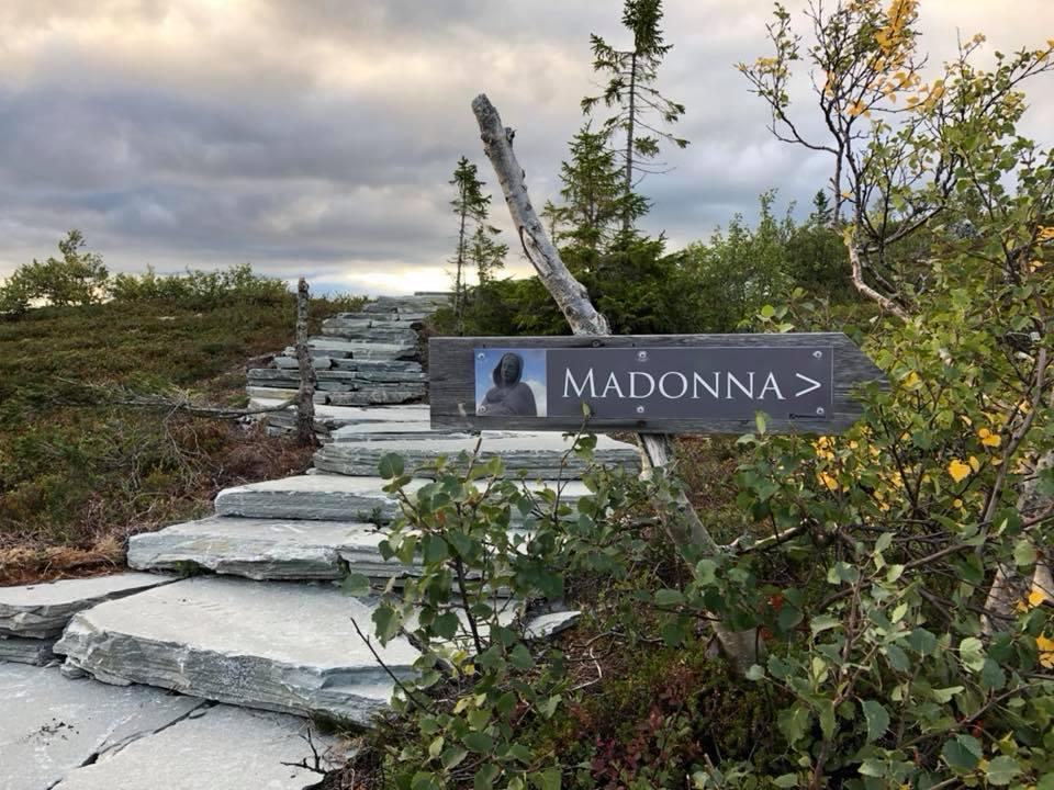 Madonnastien - noe helt for seg selv