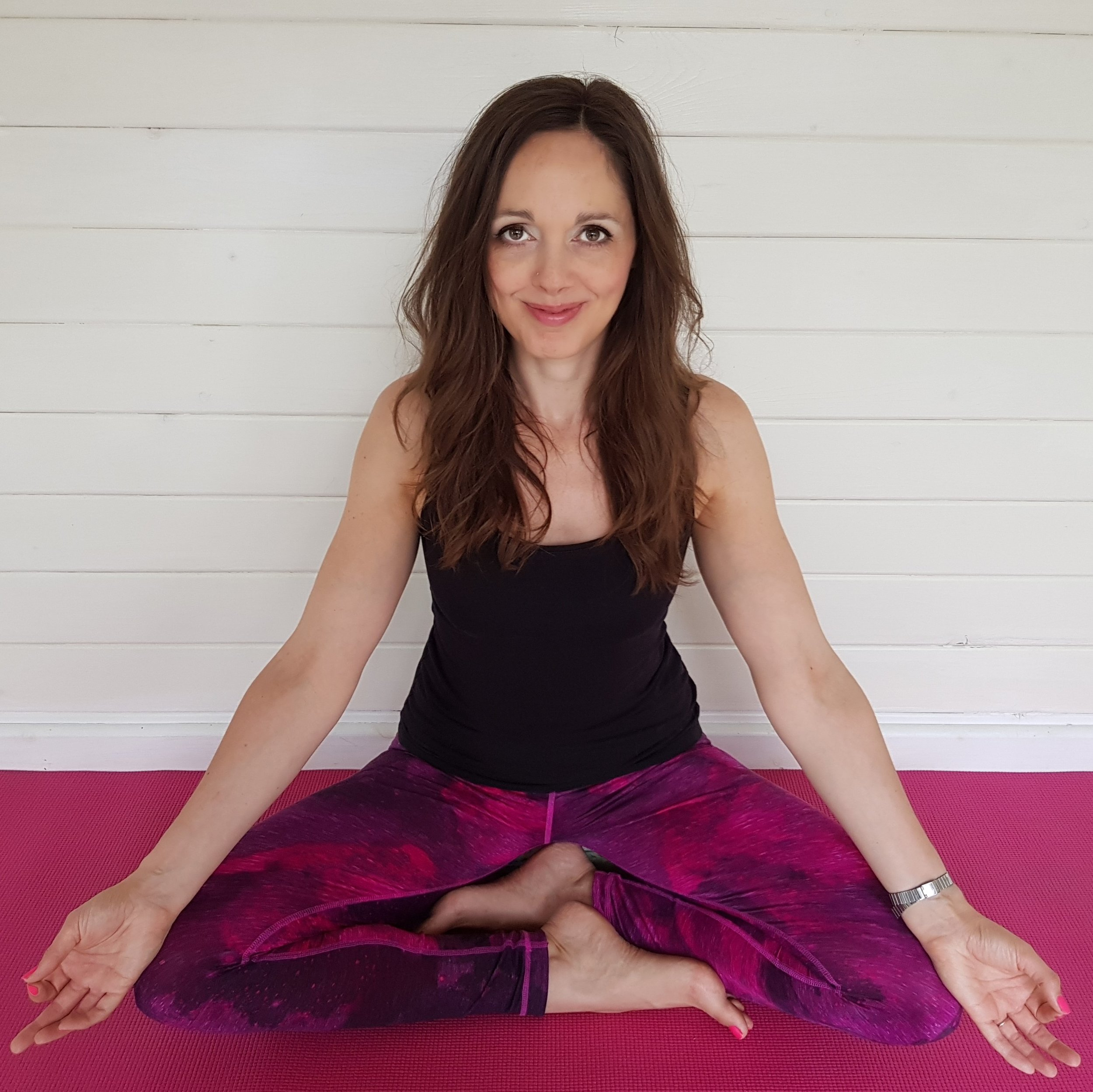 - Louise is a yoga teacher and forever a yoga student. She loves to share the yoga philosophy and practices that have transformed her life, helping students to find a sense of peace and balance during class that carries over in to their daily lives. She is passionate about following a vegan lifestyle and loves to cook nourishing, tasty food, especially when sharing it with friends. www.louiselongsonyoga.co.ukFacebook – Louise Longson Yoga