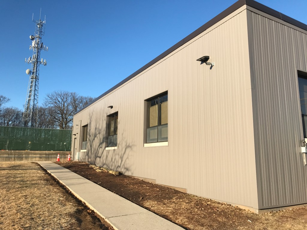 New metal siding 2.JPG