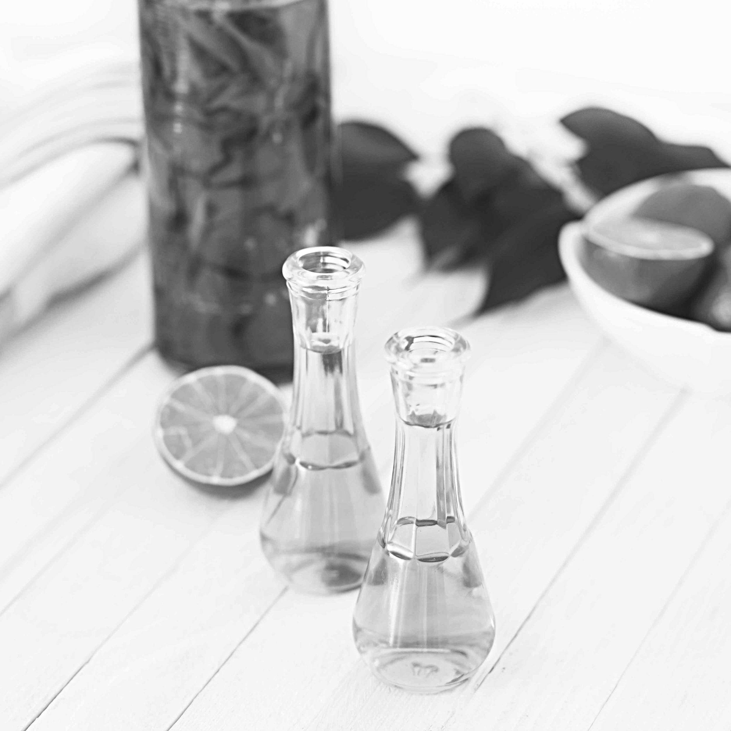 Votre composition  essentielle  est formulée spécialement pour vous afin de remédier à tous vos tracas du quotidien. Nos mélanges sont faits avec des huiles essentielles chémotypées et bio.