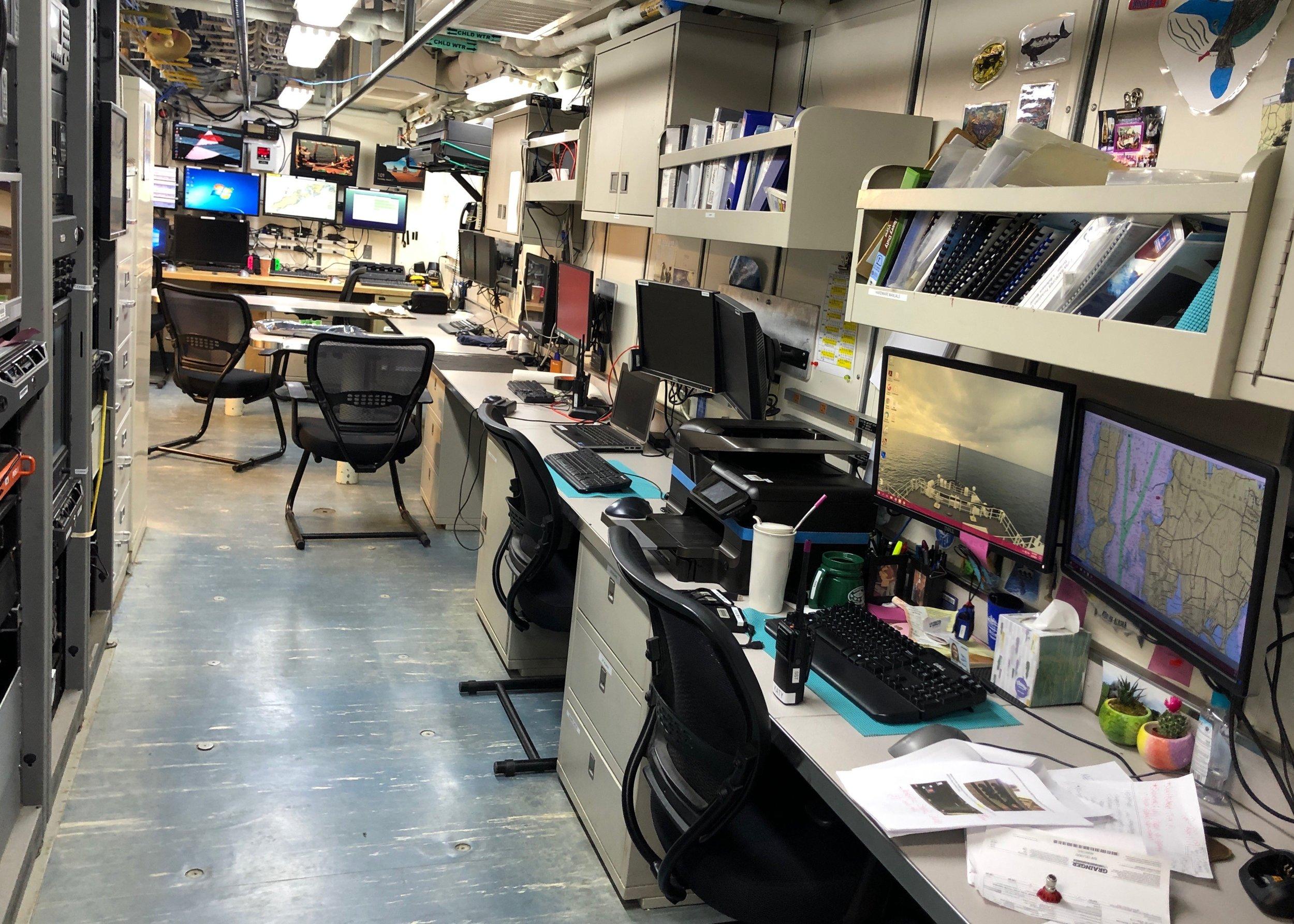 computer room1.jpg