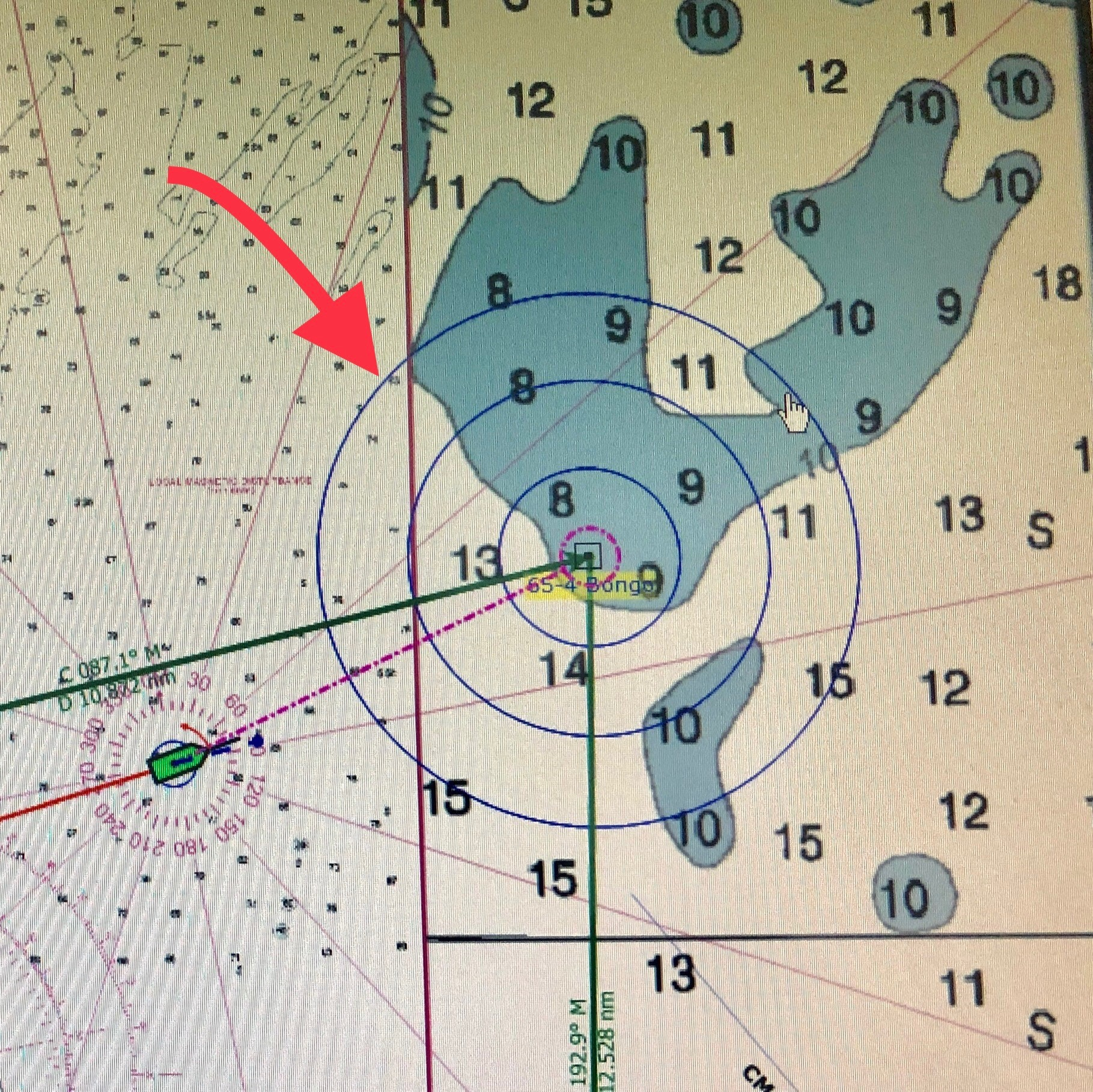 "When the Bigelow is near the center of the concentric circle, it's ""on-station"" where we will trawl. The green icon at the lower-left is the Bigelow's position on-approach."