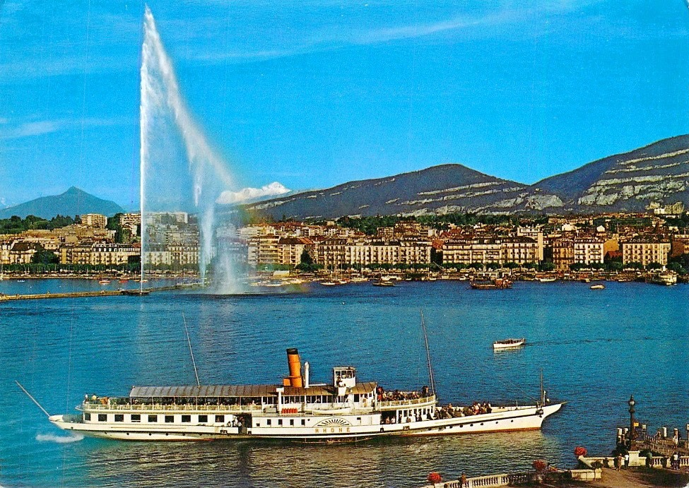 Vintage postcard of Geneva with a view of Lac Léman and a paddle boat, the Jet d'Eau and the Salève.