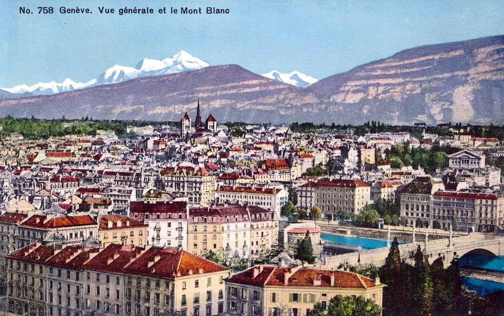 Vintage postcard of Geneva with a view over Lac Léman, the Mont Blanc bridge, the Old Town and Cathedral de St Pierre with in the background the Salève by night.