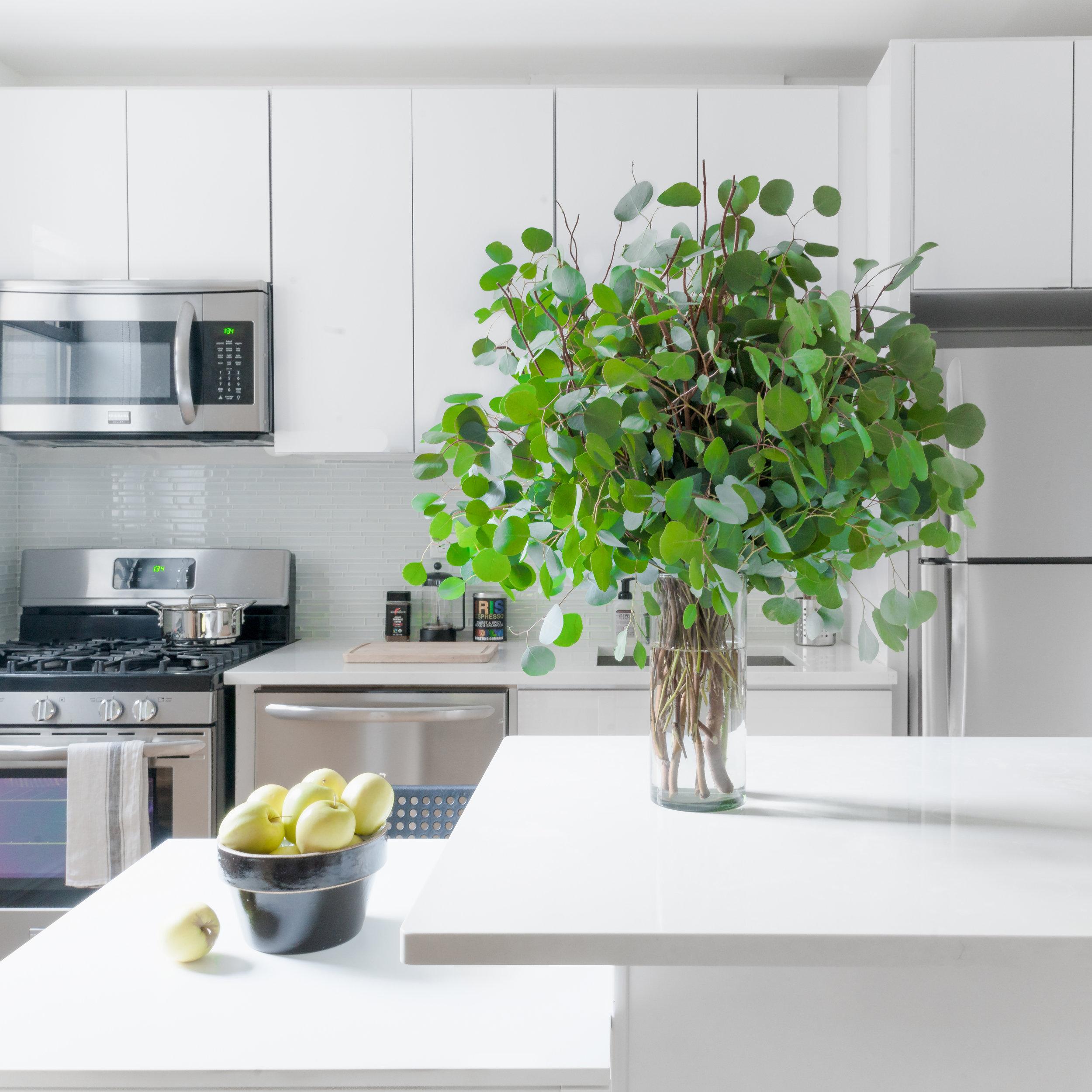 paulaeguzman_interiors_kitchen_bath.jpg