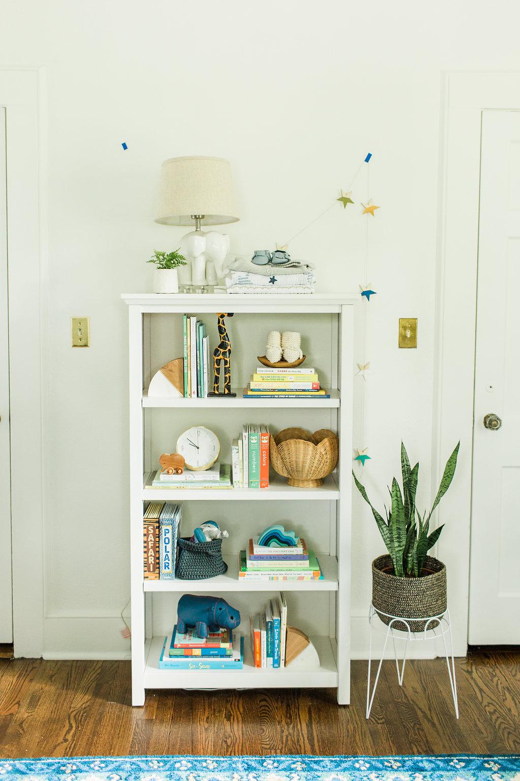 nursery bookshelf styling
