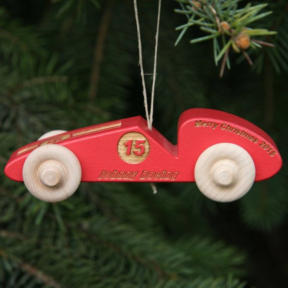 holiday gift guide ornament