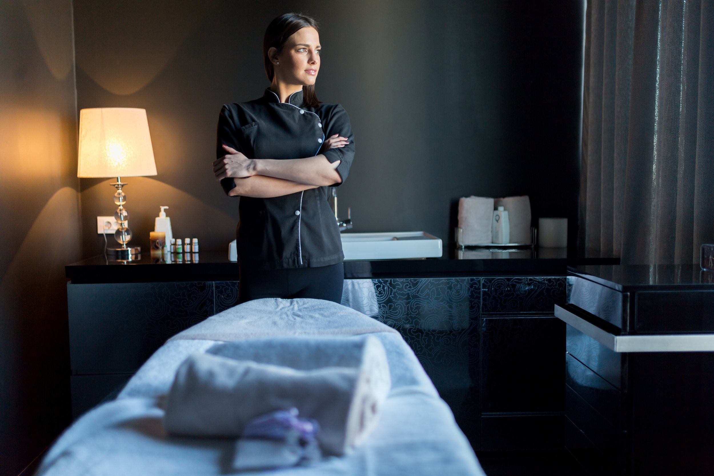Start a rewarding career today! - Financial Aid available for those who qualify. Enroll today!The 750 hour curriculum will allow the graduate to apply for licensing in almost any state in the country.20 minutes from Spokane & 10 minutes from Coeur d'Alene and Hayden.Learn how to give a spa treatment as well as learn medical massage treatments for injuries, recovery and sports massage.Beautiful campus with lots of parking, amazing sunsets and views.