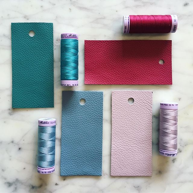 Introducing my new colour ways for upcoming calligraphy pen rolls! The finest Italian leather in four new beautiful shades! Teal, Berry Red, Powder Blue & Blush Pink to join the Classic Black. Better get sewing! ✂️ . . . #daniellelummispenroll #calligraphypenroll #leatherpenroll #calligraphyleatherpenroll