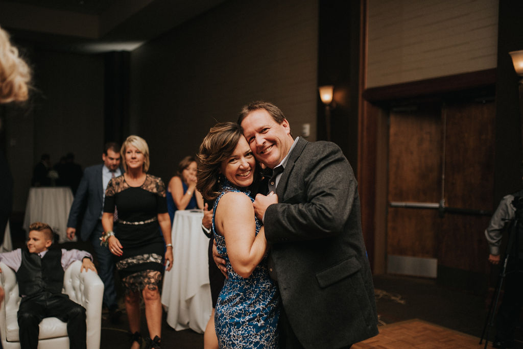 MICHIGANWEDDING:BUSS53.jpg