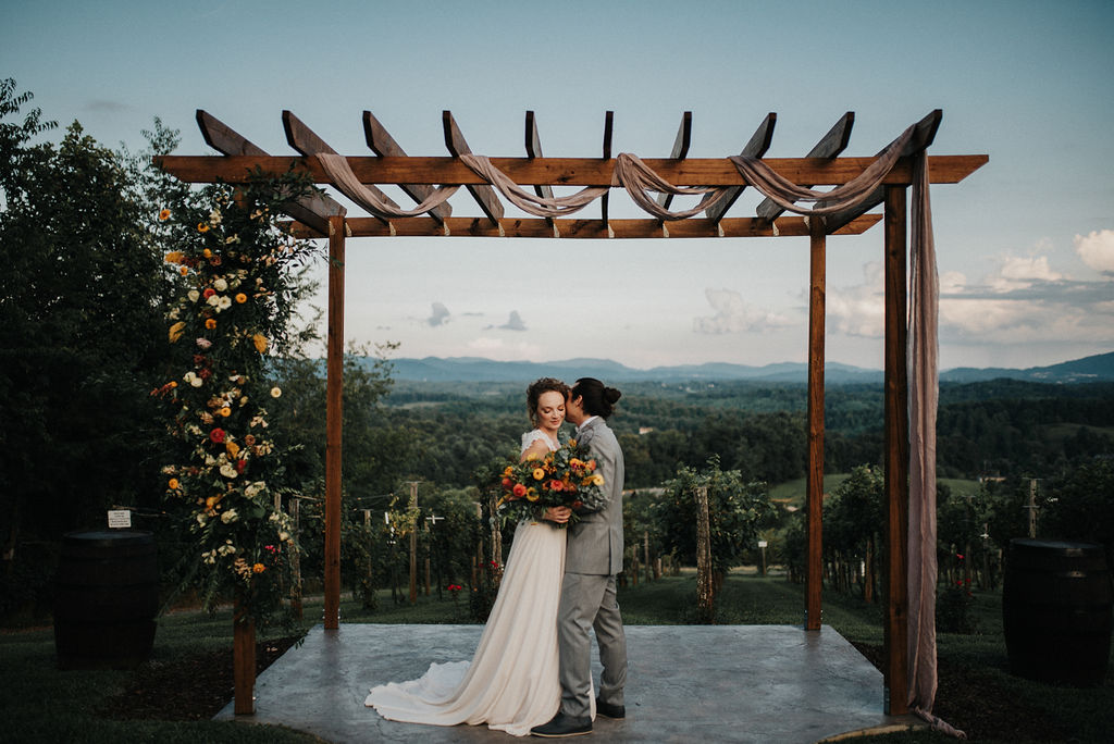 ASHEVILLEVINEYARDWEDDING17.jpg