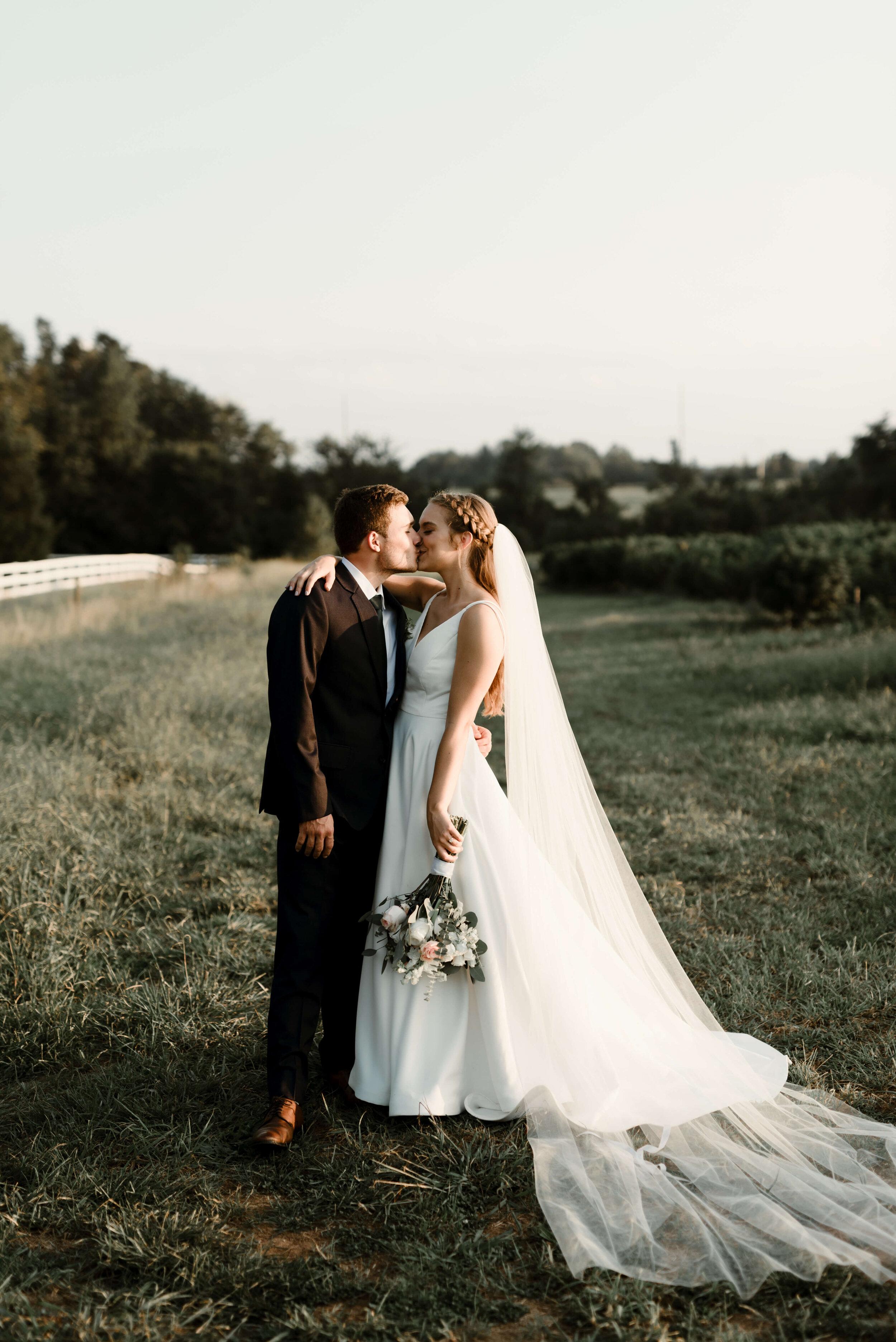 RALEIGH_WEDDING_GABBY_AND_SMITTYDSC_7984.jpg