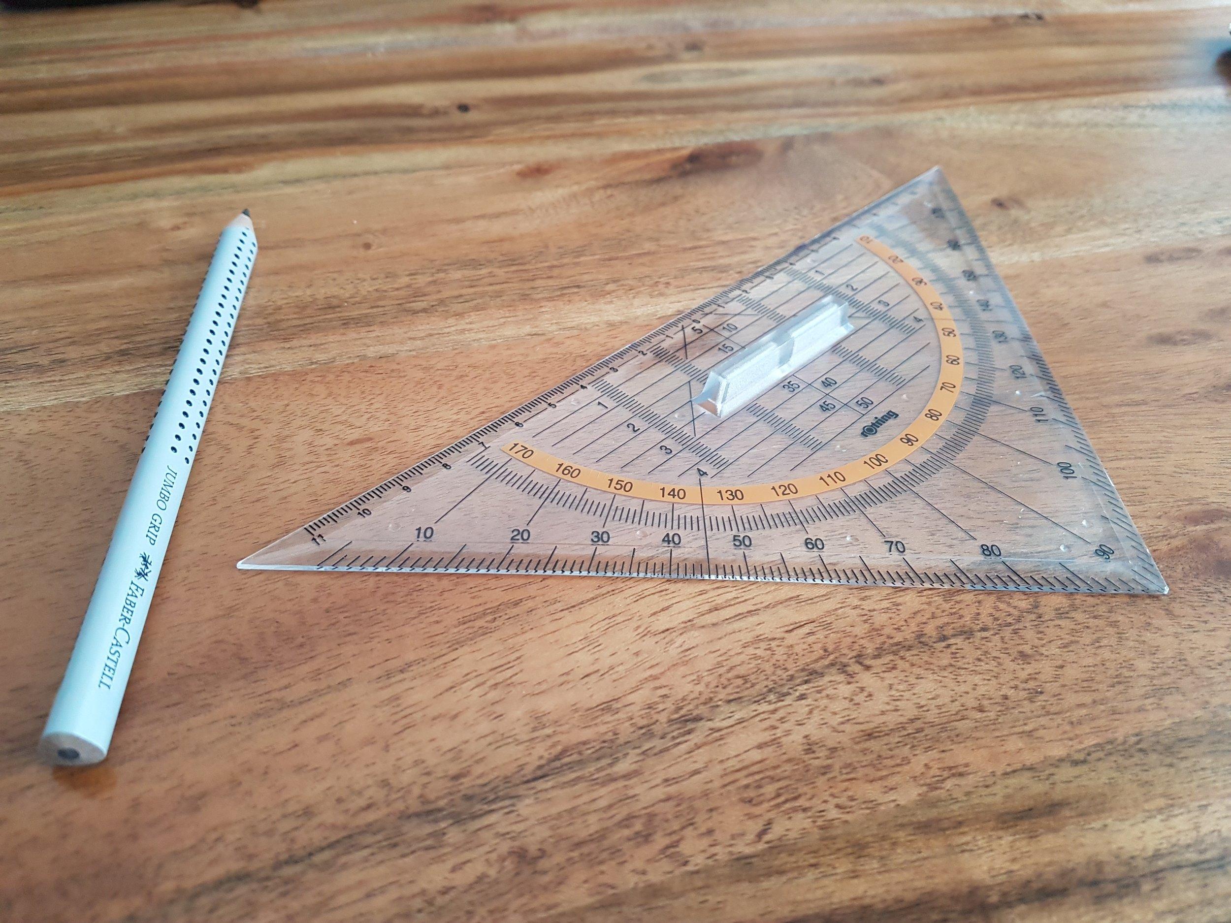 compass-desk-geometry-376689.jpg