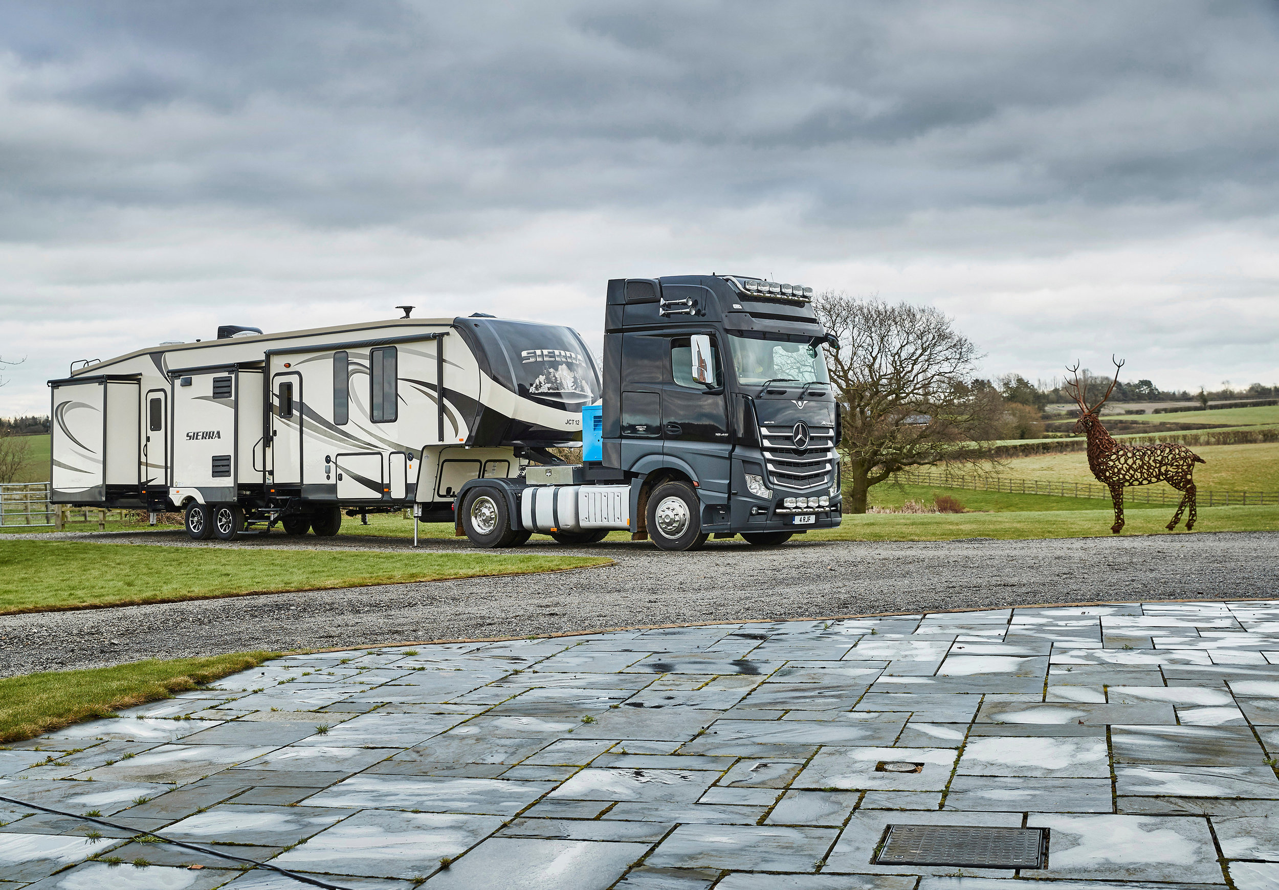 american-rvs-motorhomes-for-hire-uk-europe-1.jpg