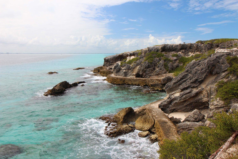 Isla Mujeres Cliffs