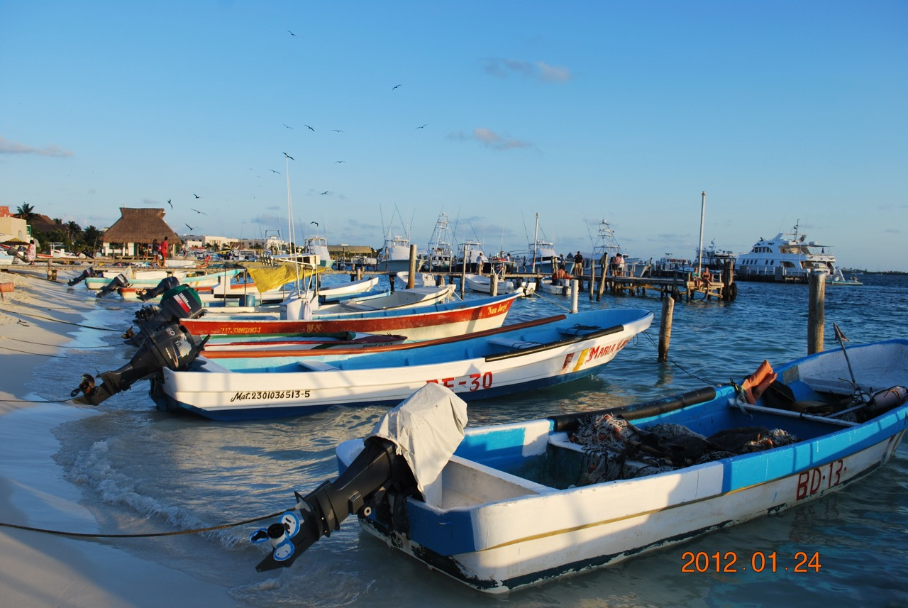Isla Mujeres Boats Ashore